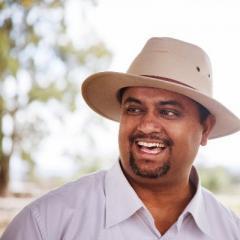 Dr Edward Narayan