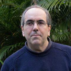 Associate Professor Daniel Cozzolino